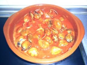 Almejas con tomate